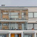Balkonverglasung schafft zusätzlichen Wohnraum